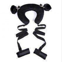 Kajdanki na nogi i ręce połączone pasem na szyję
